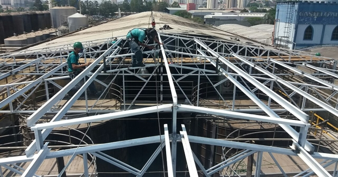 Construção de Cobertura Metálica