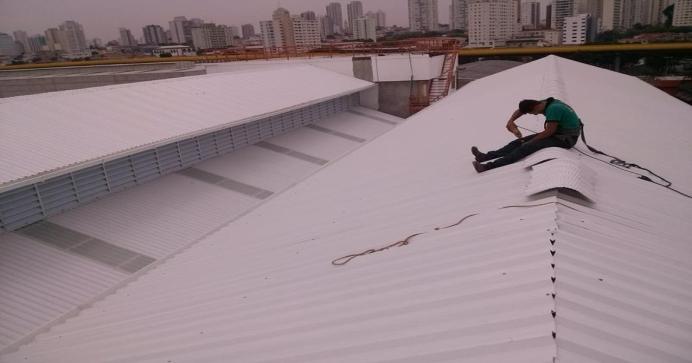 Construção de Telhado e Cobertura Industrial